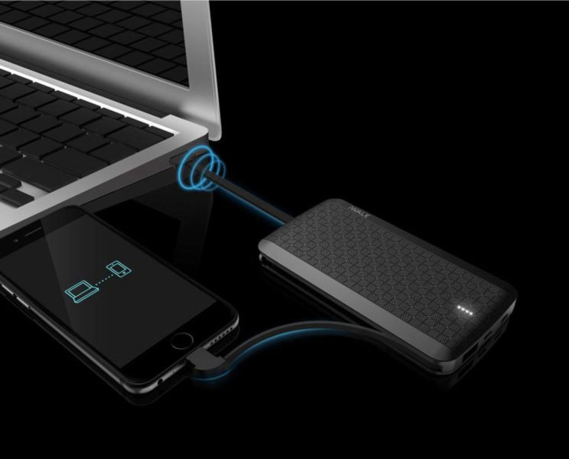 Iwalk 8000mAh Scorpion Ultra Slim Fast Charging Portable Power Bank, with Micro-USB Input, with Built-in Lightning/Micro USB/USB A Cable, T08-001A, Black
